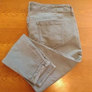 Torrid light grey cropped denim jeans  2191